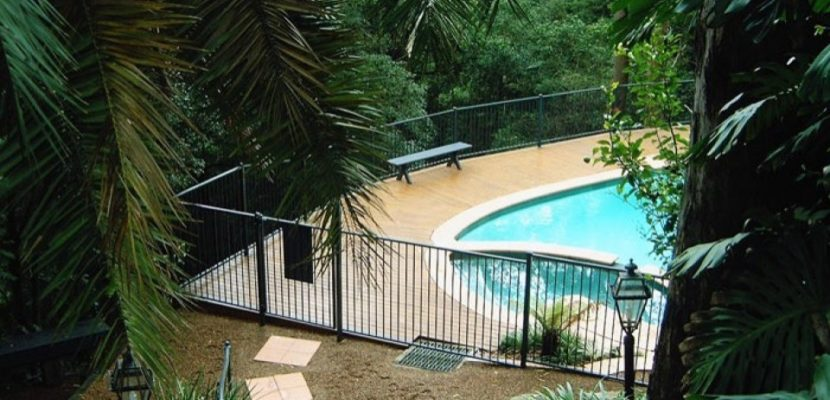 pool fencing option